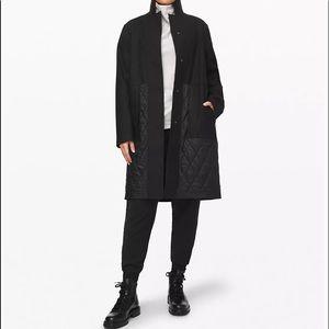 BNWOT Lululemon Roam far coat. 80$ on vinted!
